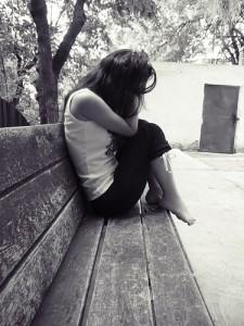 alone-bench-girl-grey-hurt-pain-favim_com-40247
